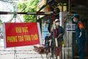 Nhiều người dân TP.HCM gọi điện hỏi tiền trợ cấp