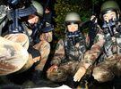 """Lính Trung Quốc rầm rầm tập bắn đạn thật """"xé nát màn đêm"""" khiến Ấn Độ """"không ngủ"""""""
