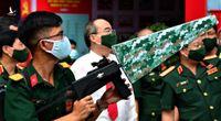 Quân khu 7 giới thiệu vũ khí: Trình diễn súng bắn hạ thiết bị bay không người lái