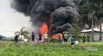 Phó Thủ tướng yêu cầu điều tra, báo cáo vụ cháy kho hóa chất ở Hà Nội