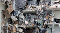 Cảnh hoang tàn sau vụ sập chung cư 12 tầng ở Mỹ