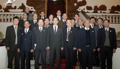 Prime Minister Nguyen Tan Dung works with War Veterans Association