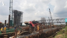 Cần cẩu dự án chống ngập 10.000 tỷ sập đè nhà, dân tháo chạy