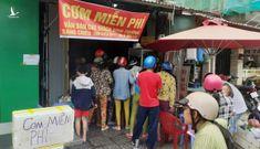 Phú Quốc ngập, khách sạn mời dân tá túc, cơm nóng, sửa xe đều miễn phí