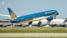 Máy bay lớn nhất Việt Nam đáp xuống Nội Bài