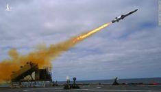 """Mỹ tung tên lửa mới làm """"dậy sóng"""" biển Đông"""