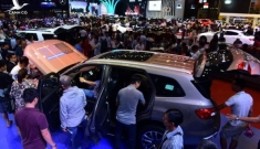 Thị trường ôtô tiếp tục tăng trưởng vào cuối năm