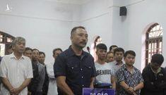 Xét xử trùm gỗ lậu Phượng 'râu' cùng 24 bị cáo
