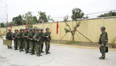 Cận cảnh trang bị súng, giáp của trinh sát đặc nhiệm Thủ đô