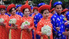 100 cặp cô dâu chú rể hạnh phúc trong lễ cưới tập thể ngày Quốc khánh