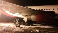 Máy bay đi từ VN cháy càng khi hạ cánh ở Nga, hàng chục người bị thương