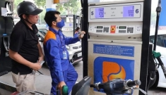 Công ty xăng dầu 'bỏ túi' hàng ngàn tỉ đồng