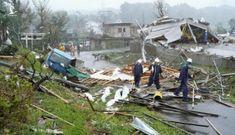 Nhật Bản dồn dập đón siêu bão và động đất