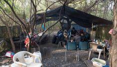 Bên trong trại trú ẩn tạm bợ, người Việt mòn mỏi chờ sang Anh 'đổi đời'