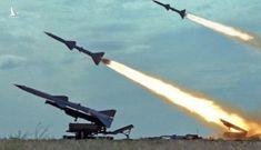 """""""Gia đình tên lửa SAM"""": Kế hoạch bắn hạ F-35, F-22 Mỹ của Nga"""