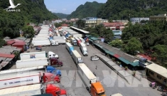 Trung Quốc thay đổi, 500 xe container nông sảntắc cứng ở Tân Thanh