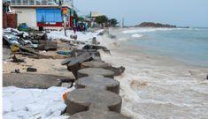 Bão số 5 làm sập bờ kè, dân Quy Nhơn lo nhà bị cuốn xuống biển