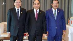 Thủ tướng tiếp xúc song phương bên lề ASEAN 35