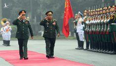 Đại tướng Ngô Xuân Lịch hội đàm với Đại tướng, Bộ trưởng Bộ Quốc phòng Lào