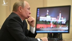 """""""Lỗ hổng"""" an ninh từ máy tính của Tổng thống Putin"""