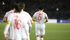 """Bóng đá Việt Nam sau SEA Games là """"khoảng lặng"""""""