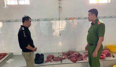 Bắt quả tang cơ sở dùng dung dịch đỏ 'hô biến' thịt heo nái thành thịt bò