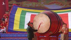 Đại tướng Ngô Xuân Lịch đánh trống khai mạc Ngày hội quân dân