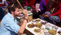 Nơi rãnh thoát nước cũng tìm được đá quý, bán hồng ngọc ngoài chợ như rau