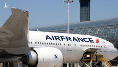 Phát hiện thi thể bé trai dưới càng bánh xe máy bay ở sân bay Paris