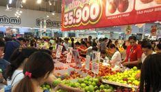 Nửa đêm, dân Sài Gòn vẫn rồng rắn vào siêu thị sắm tết