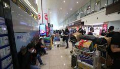 Cận cảnh đón đồng bào hồi hương ở sân bay Nội Bài