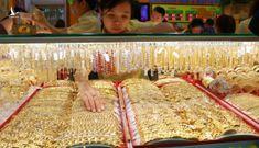 Giá vàng rớt mốc 43 triệu đồng vì nhà đầu tư bán tháo