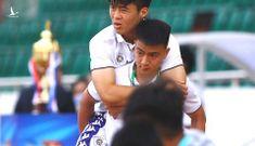 HLV Park Hang Seo thông báo Duy Mạnh bị chấn thương nặng khi đứt hoàn toàn dây chằng gối