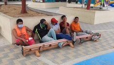 Colombia cùm chân người dân nếu không tuân thủ kiểm dịch Covid-19