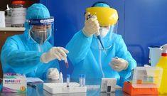 Xét nghiệm nhanh Covid-19 ở chợ hoa Mê Linh phát hiện 4 mẫu dương tính