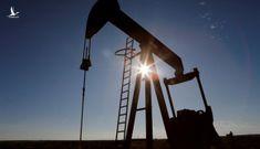Giá dầu âm, liệu người tiêu dùng có được đổ xăng… miễn phí?