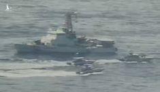 11 tàu tấn công nhanh Iran 'đụng độ' với tàu chiến Mỹ trên Vịnh Ba Tư