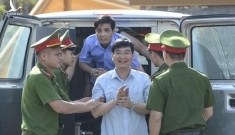 Tòa tuyên án các bị cáo trong vụ gian lận thi cử ở Hoà Bình