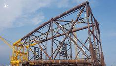 Xí nghiệp Xây lắp – Vietsovpetro hạ thủy thành công Chân đế giàn đầu giếng BK-21, mỏ Bạch Hổ