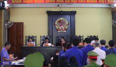 Vụ gian lận điểm thi ở Sơn La: 2 bị cáo bị đề nghị mức án từ 23-25 năm tù