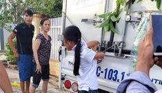 Mẹ ruột cột trói con gái 12 tuổi vào thùng xe khiến nhiều người bức xúc