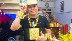 """Phúc XO – """"người đeo nhiều vàng nhất Việt Nam"""" chuẩn bị hầu tòa"""