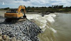 Nghệ An: Vỡ đập tràn trên sông Lam khiến 7.800 hộ dân mất nước sinh hoạt