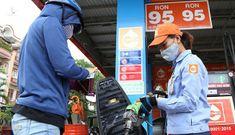 Giá xăng dầu tăng mạnh lần thứ 4 liên tiếp
