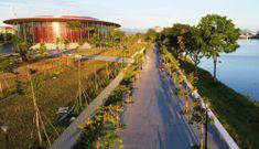 Cung đường đi bộ bên dòng Hương