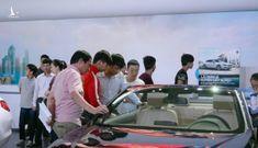 Mua xe ôtô ngay hay chờ chính sách giảm 50% phí trước bạ?