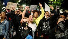 Chủ nhật nước Mỹ 20.000 ca COVID-19 mới, số bệnh còn tăng vì biểu tình?