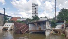 5 căn nhà sụp xuống sông Cần Thơ