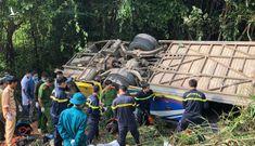 Ba giờ cứu hộ 40 người dưới vực