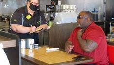 Nhà hàng Mỹ đóng cửa, nhân viên bị đánh vì yêu cầu khách đeo khẩu trang